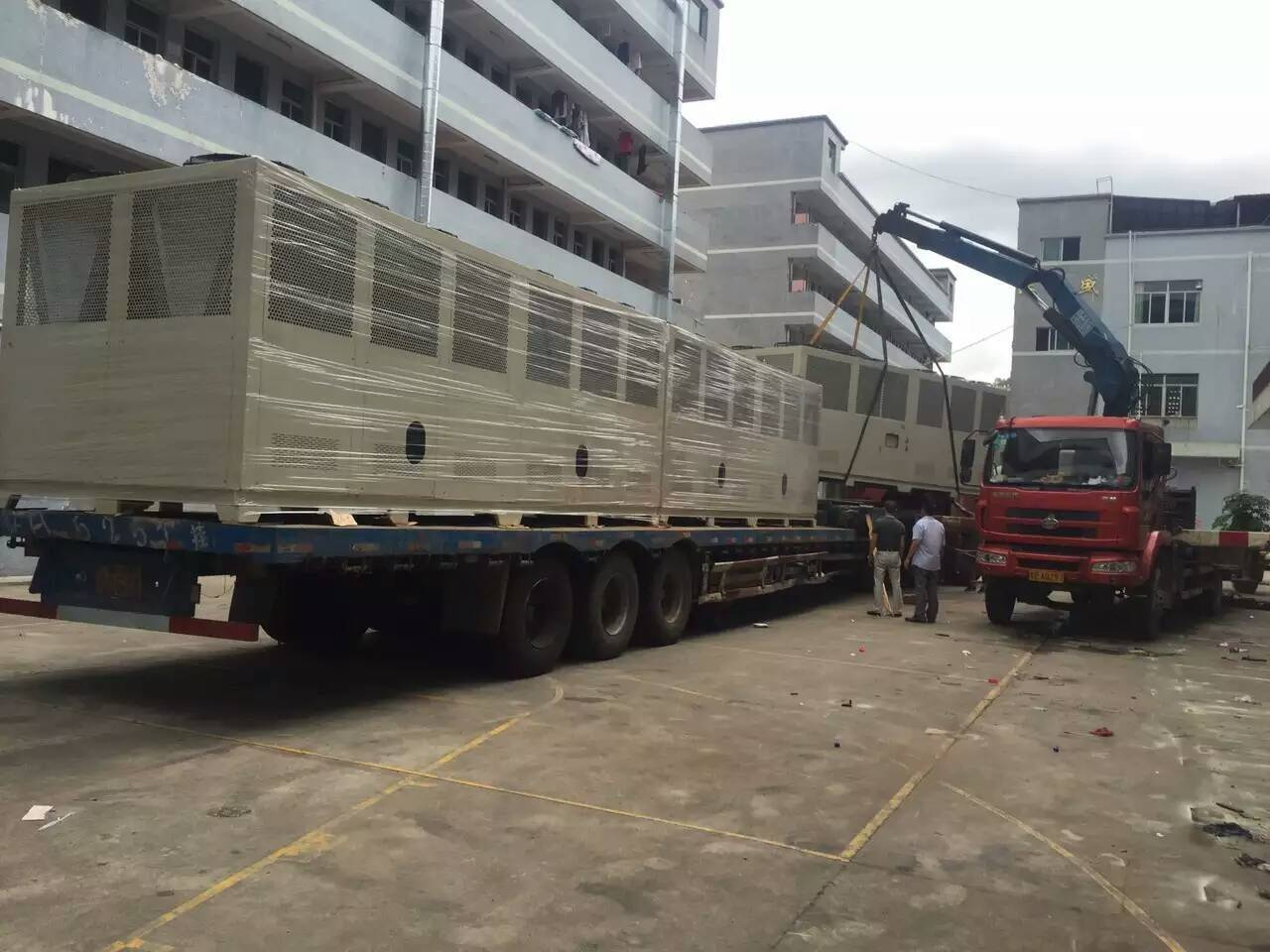395kw air cooled screw chiller with Bitzer brand compressor for Concrete and Cement Cooling industry