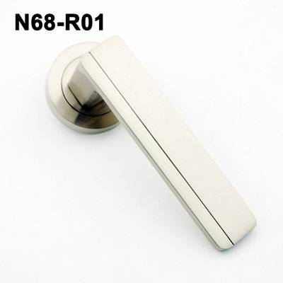 Exteriordoorhandle/Handle Lock/Klamki na krotkim szyldzie/Ukraine door handle/замков N68-R46