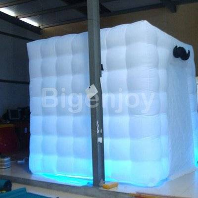 Portable inflatable photo booth with LED