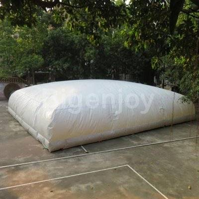 Inflatable jumping air bag for skiing jumping pillow