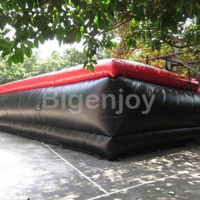Commercial quality stunt inflatable skiing air bag