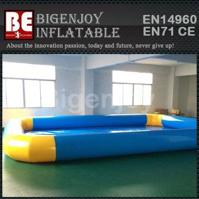 Large inflatable swimming pool for water balls