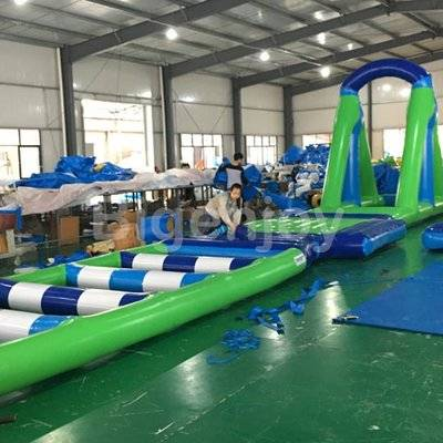 Inflatable water hurdle for sports games