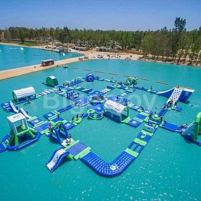 Inflatable swimming pool floating water park
